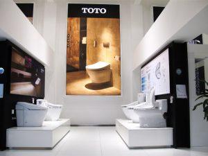 showroom trưng bày nắp điện tử TOTO
